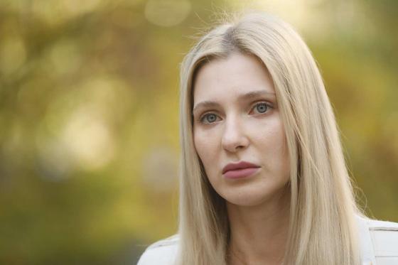 Певица Ксения Ашигалиева заявила, что находящийся под домашним арестом бывший муж гуляет в Есентае