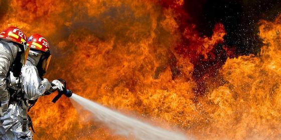 Обожжены голова и тело: парень сильно пострадал при пожаре в общежитии Костаная