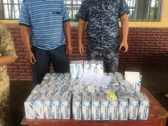 Иностранец пытался вывезти из Казахстана 56 коробок тестов на коронавирус