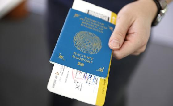 """Кто стал """"невыездным"""" в Казахстане после принятия новых мер по защите от коронавируса"""