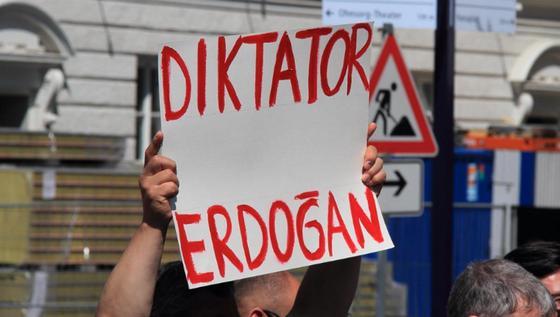 В Турции дали пожизненные сроки 24 обвиняемым путчистам. Кто эти люди?