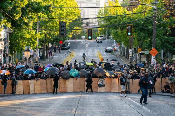 Протесты в США: Стрельба в Портленде и взрывы в Сиэтле (фото, видео)