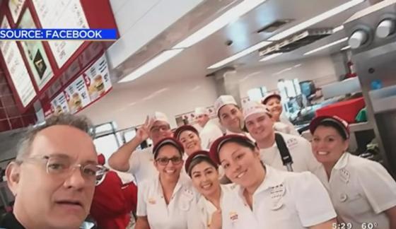 Том Хэнкс угостил обедом всех посетителей кафе за свой счет (видео)