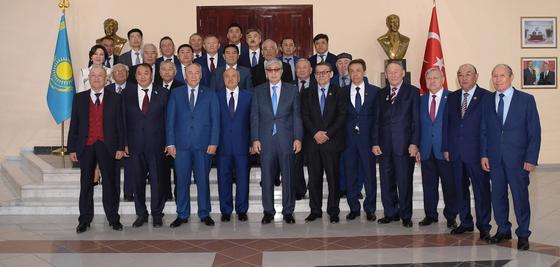 Токаев рассказал казахстанцам, как намерен работать и решать вопросы