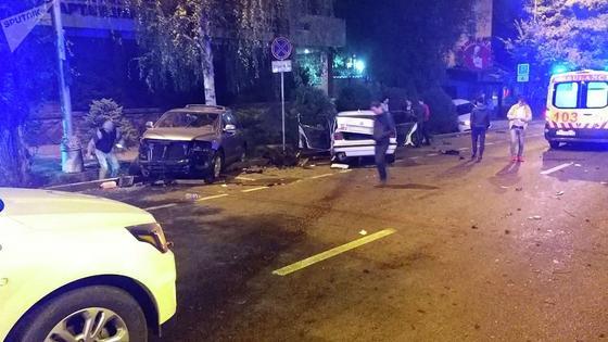 Один человек погиб, семь пострадали в массовом ДТП в Алматы (фото)