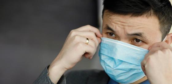 Полторы тысячи человек задержали в Китае за поддельные медицинские маски