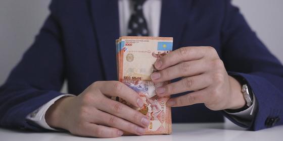 Какую соцвыплату могут получить потерявшие доход казахстанцы