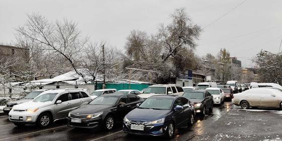 Казахстанцев призвали зарегистрировать машины с иностранными номерами