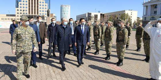 """""""Ситуация очень сложная"""": Токаев встретился с военнослужащими бригады территориальной обороны (фото)"""