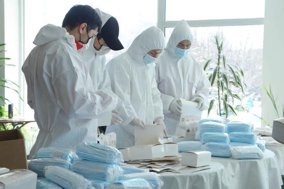 Волонтеры «Jas Otan» начали бесплатную раздачу 5 миллионов масок