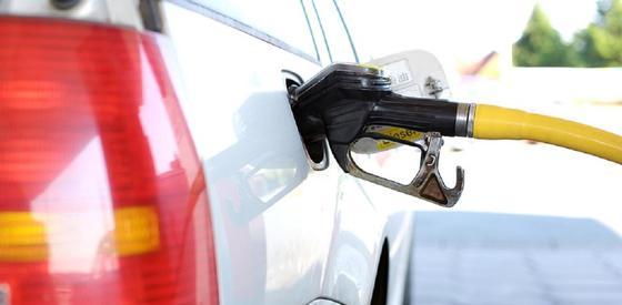 Министр энергетики высказался о цене на бензин в Казахстане