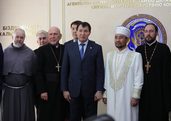 Как имамы помогают бороться с коррупцией в Казахстане