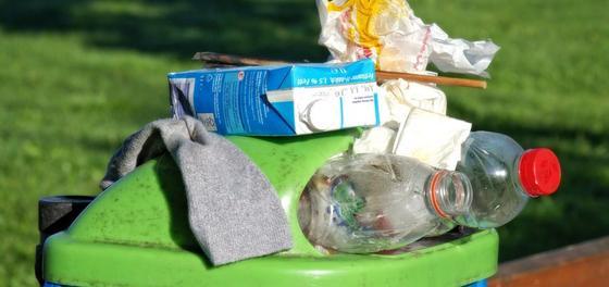 Казахстанцам рассказали, куда сдавать мусор на переработку