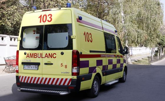 60 сотрудников скорой помощи заразились коронавирусом в Алматы
