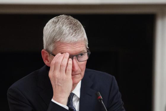 """Тим Кук: """"iPhone вряд ли будет производиться в США когда-либо"""""""