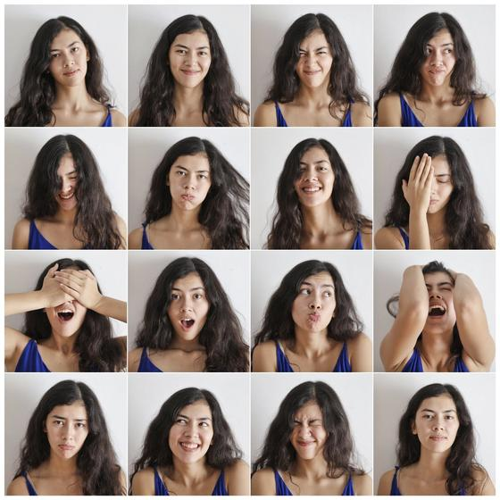 Подборка фотографии девушки с разными эмоциями на лице