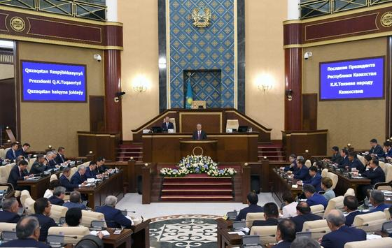 О ходе реализации послания президента рассказали в правительстве