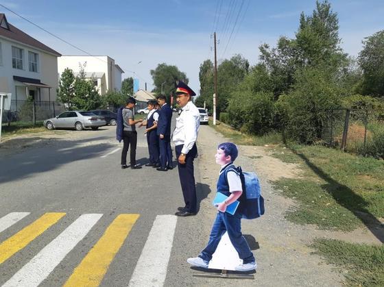 Полицейские машины-призраки появились на трассах в Алматинской области