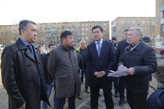 Кошанов сделал выговор акиму Караганды из-за грязных окраин
