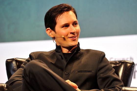 Дуров обвинил Instagram и Facebook в заработке на мошенничестве от его имени