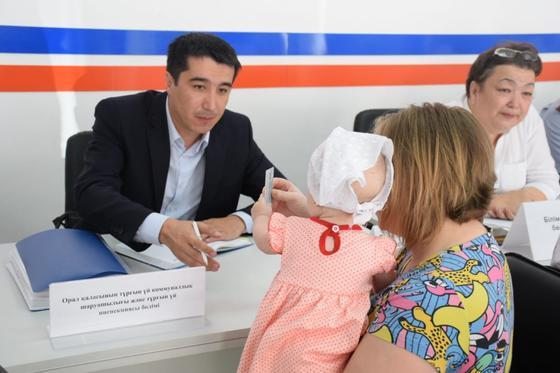 Почти тысяча человек побывали на личном приеме у акима Уральска