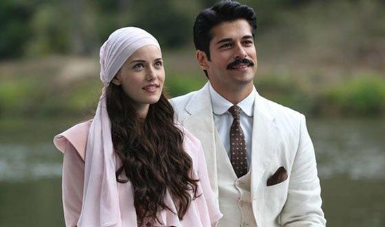 Турецкая актриса Фахрие Эвджен с Бураком Озчивитом