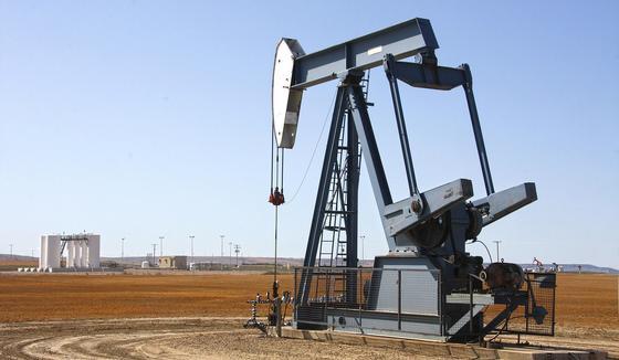 Американская нефть рухнула в цене до уровня 1998 года