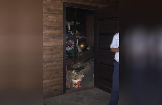 Ресторан пропускал людей через черный ход во время карантина в Алматы (фото, видео)