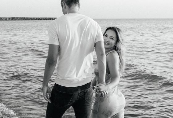 Макпал Исабекова с супругом