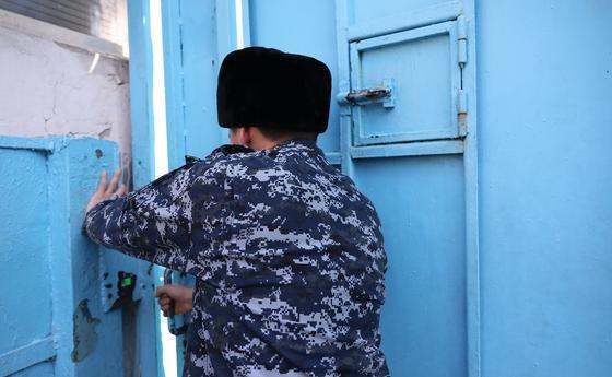 Коронавирус выявили у заключенного изолятора в Актобе