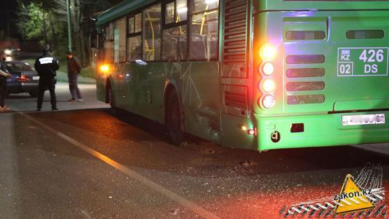 Автобус попал в аварию
