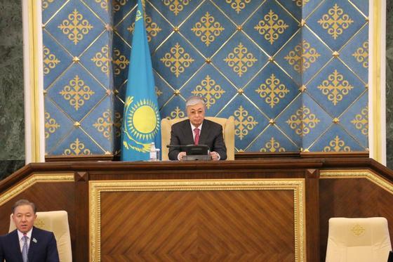 Токаев выступает с Посланием народу Казахстана