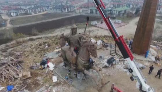 Памятник казахстанского скульптора установили в Турции
