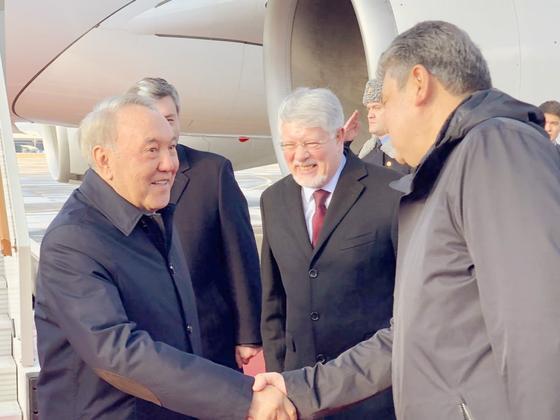 Елбасы Путинмен кездесу үшін Мәскеуге ұшып жетті (фото)