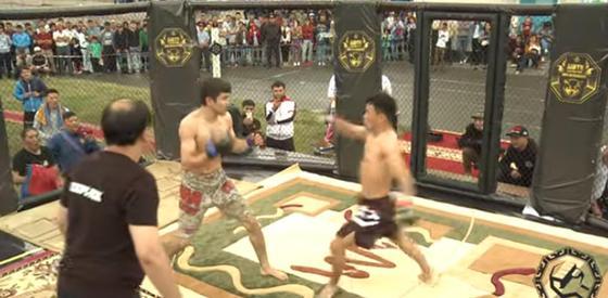 Видео нокаута монгольского бойца казахом набирает популярность в YouTube