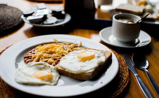 Диетолог раскрыла секрет правильного завтрака