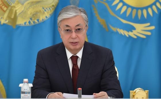 Токаев выступает с обращением к народу Казахстана