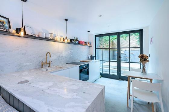 Дом шириной 2,5 метра можно купить в Лондоне за 368 млн тенге