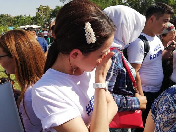 Молдир Ауелбекова не смогла сдержать слез, от увиденного в Шымкенте (фото)