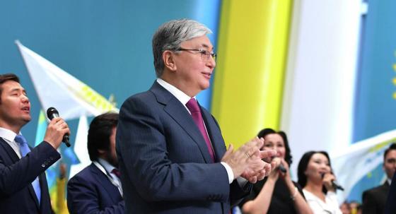 Токаев поздравил казахстанцев с Днем столицы