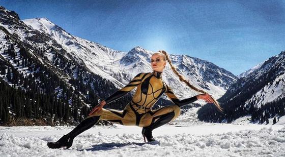Ева Шиянова станцевала на берегу Алматинского озера (видео)