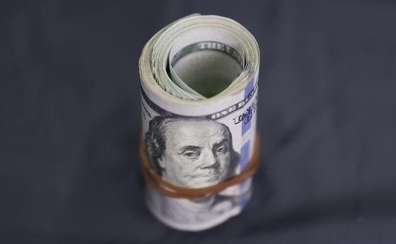 Коронавирус нанес около триллиона долларов убытков богатейшим людям мира
