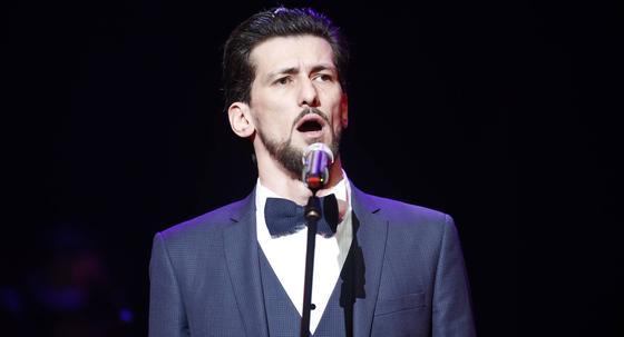 Оперный певец отказался от карьеры ради помощи нуждающимся