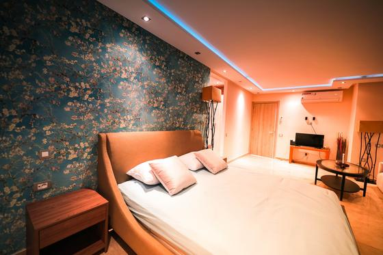 Дизайн потолков из гипсокартона в спальне