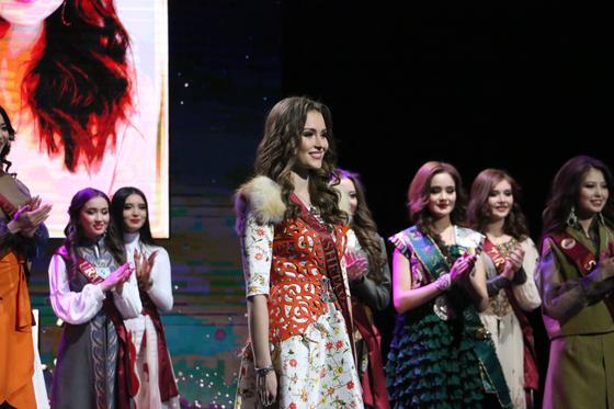 """""""Мисс Казахстан-2019"""" стала 19-летняя студентка из Нур-Султана"""