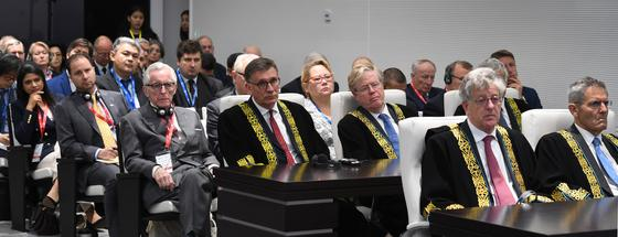 Токаев открыл Международный арбитражный центр МФЦА в Нур-Султане (фото)