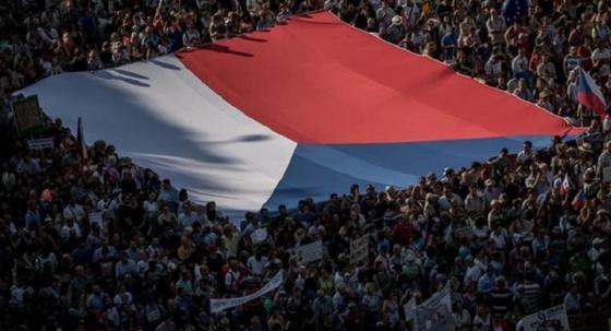 250 тысяч митингующих в Праге потребовали отставки премьера Бабиша