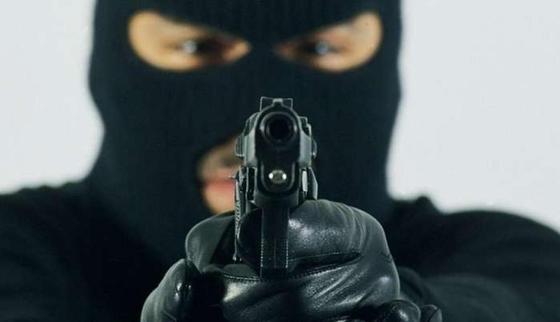 Парень с девушкой ограбили ломбард и почтовые отделения в Туркестанской области