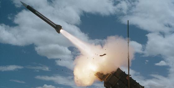 Пуск неопознанных снарядов произвела Северная Корея, заявили в Сеуле