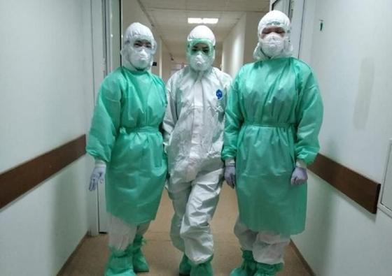 Қатты сағындым: Атырауда коронавирус жұқтырғандарды емдеп жатқан дәрігер сұхбат берді